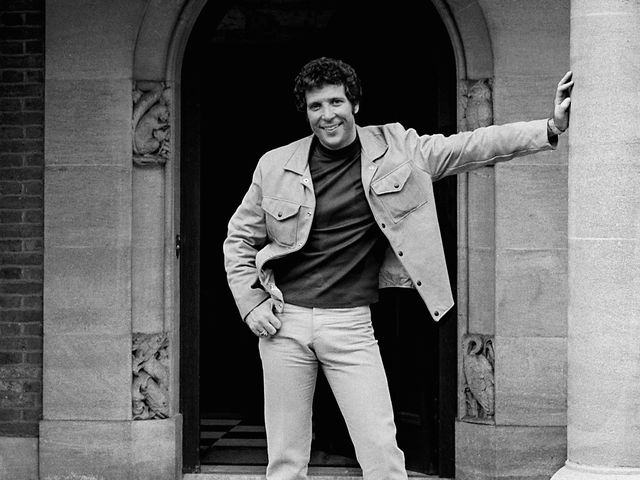 "Un Clásico: Tom Jones - ""It's not unusual"""