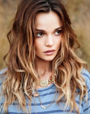 potongan model rambut panjang disemir wanita tahun 2015