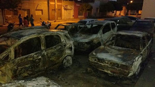 Depois da Prefeitura, bandidos incendeiam carros em Fórum no interior da Paraíba
