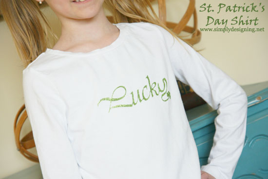Lucky shirt | using glitter heat transfer vinyl | #vinyl #holidayshirts #heatransfervinyl #crafts
