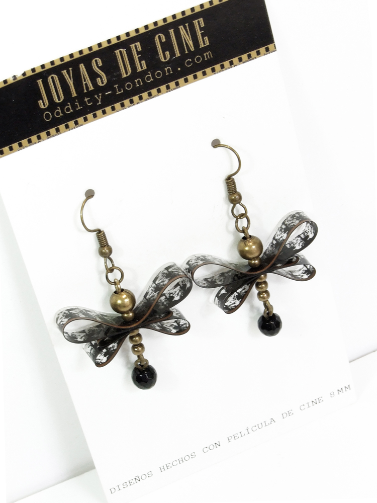 https://oddity-london-tienda.blogspot.com/2013/07/pendientes-mariposa.html