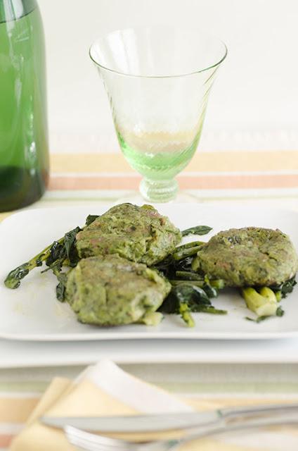 Canederli con broccolo fiolaro di Creazzo e speck al burro