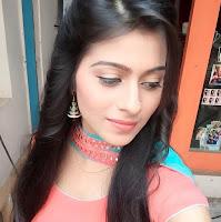 Profil Aparna Dixit