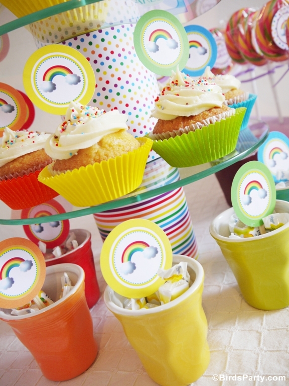 Rainbow Birthday Party Cupcakes - BirdsParty.com