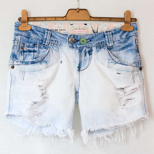 Tutorial how to bleach ombre denim shorts | dearest jackdaw.