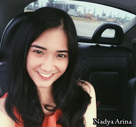 Nadya Arina pemeran Ritta