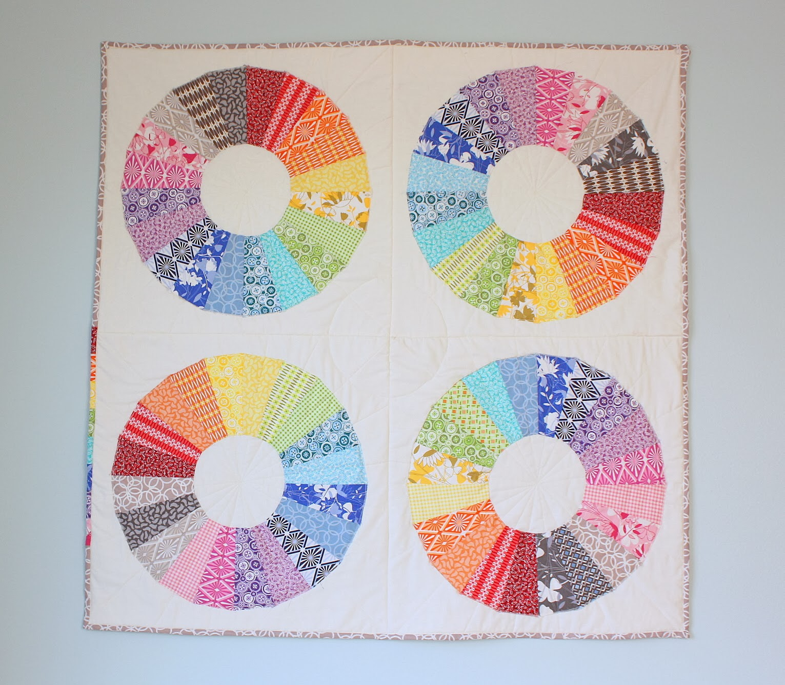True Colors Modern Dresden Circle Quilt Diary Of A Quilter A