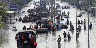 85 قتيلًا في فيضانات تايلاند.. واستمرار الأمطار الغزيرة