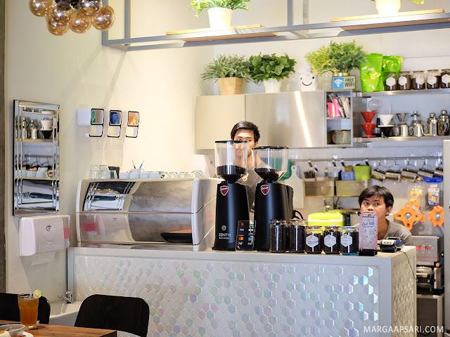 Chill Bill Coffee & Platters - Bintaro, Tangerang Selatan