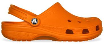 21fe11016 A CROCS marcou sua estreia no mercado americano em novembro de 2002 com o  modelo Beach, um calçado extremamente leve (pesava apenas 170g), macio, ...