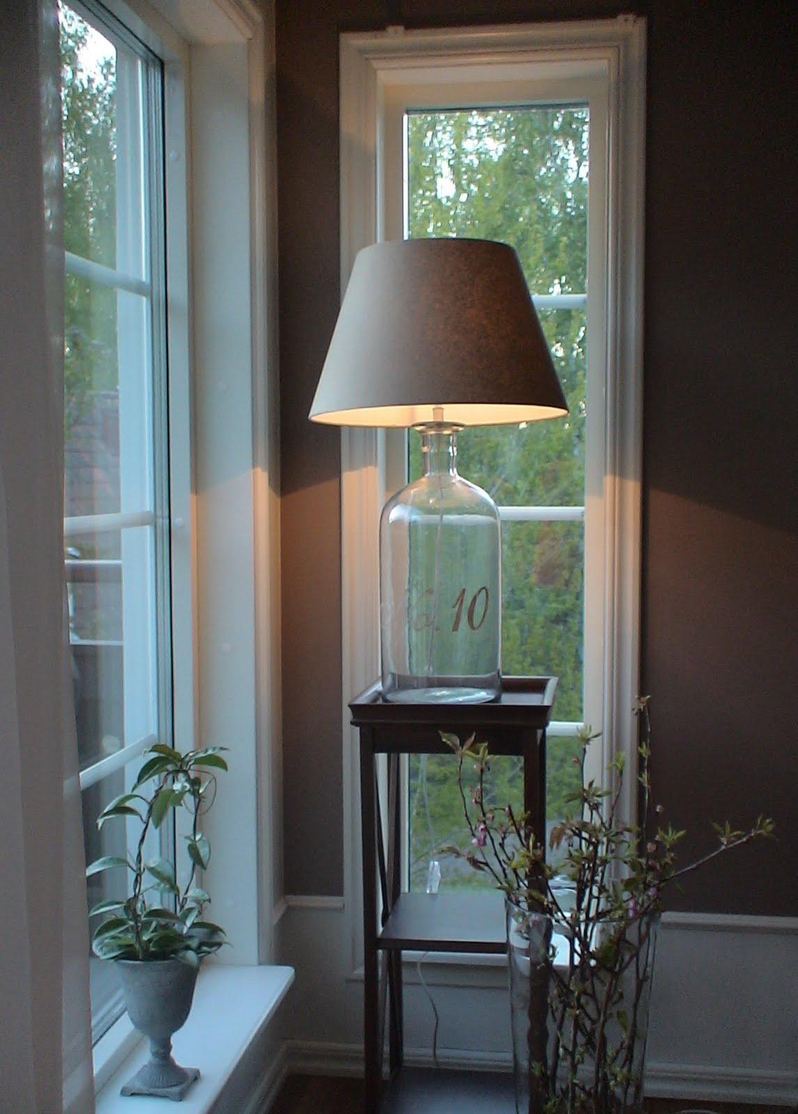 weranna 39 s lightning table and floor lamps. Black Bedroom Furniture Sets. Home Design Ideas
