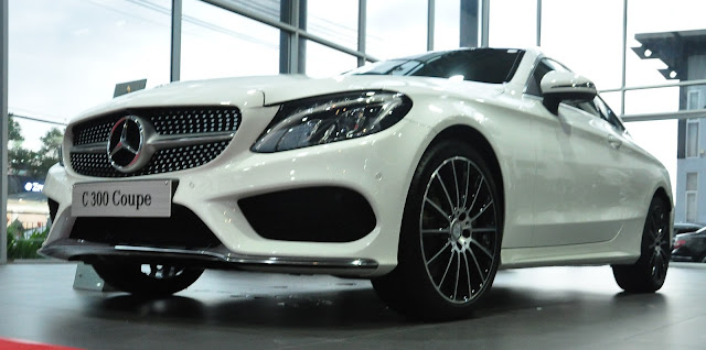Mercedes C300 Coupe thiết kế thể thao, cực kì an toàn