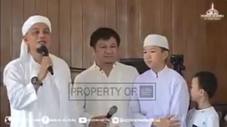 Terharu, Masya Allah Mualaf Tionghoa Berusia 13 Tahun Ini Bimbing Ayahnya Masuk Islam