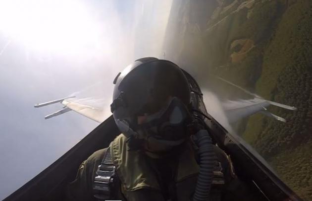 Εκπληκτικές εικόνες από αερομαχίες Μιράζ με F-16! (ΒΙΝΤΕΟ)