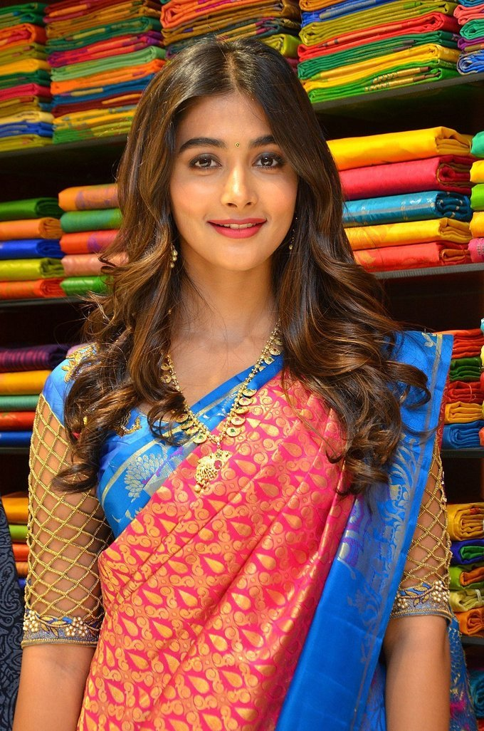 Pooja Hegde Photos In Red Pattu Saree Launches Anutex Shopping Mall