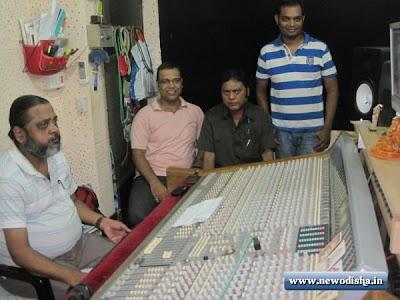 On the recording Set photo of Chamatkar