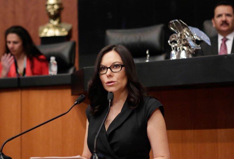 Senadora del PAN pide a AMLO no bajar los sueldos porque altos funcionarios podrían renunciar