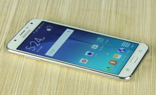 Samsung J7 tự nhiên tắt nguồn