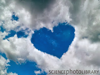 yakni ungkapan baik lisan maupun goresan pena yang tersirat untuk menyuarakan isi hati dalam  1001 Kata Kata Cinta