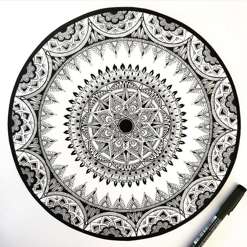 09-Eszter-Luca-Stippling-Ink-Mandala-Designs-www-designstack-co