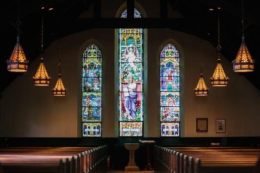 Vitral desde interior iglesia