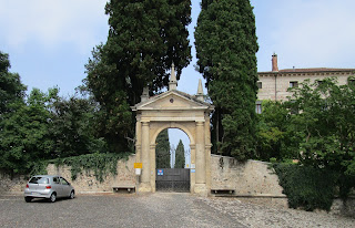 The entrance to the Villa Trissino Marzotto