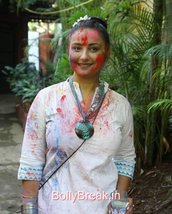 Javed Akhtar & Shabana Azmi's Holi Bash, Hot HD Images Of Tisca Chopra, Divya Dutta At Javed Akhtar & Shabana Azmi's Holi Bash