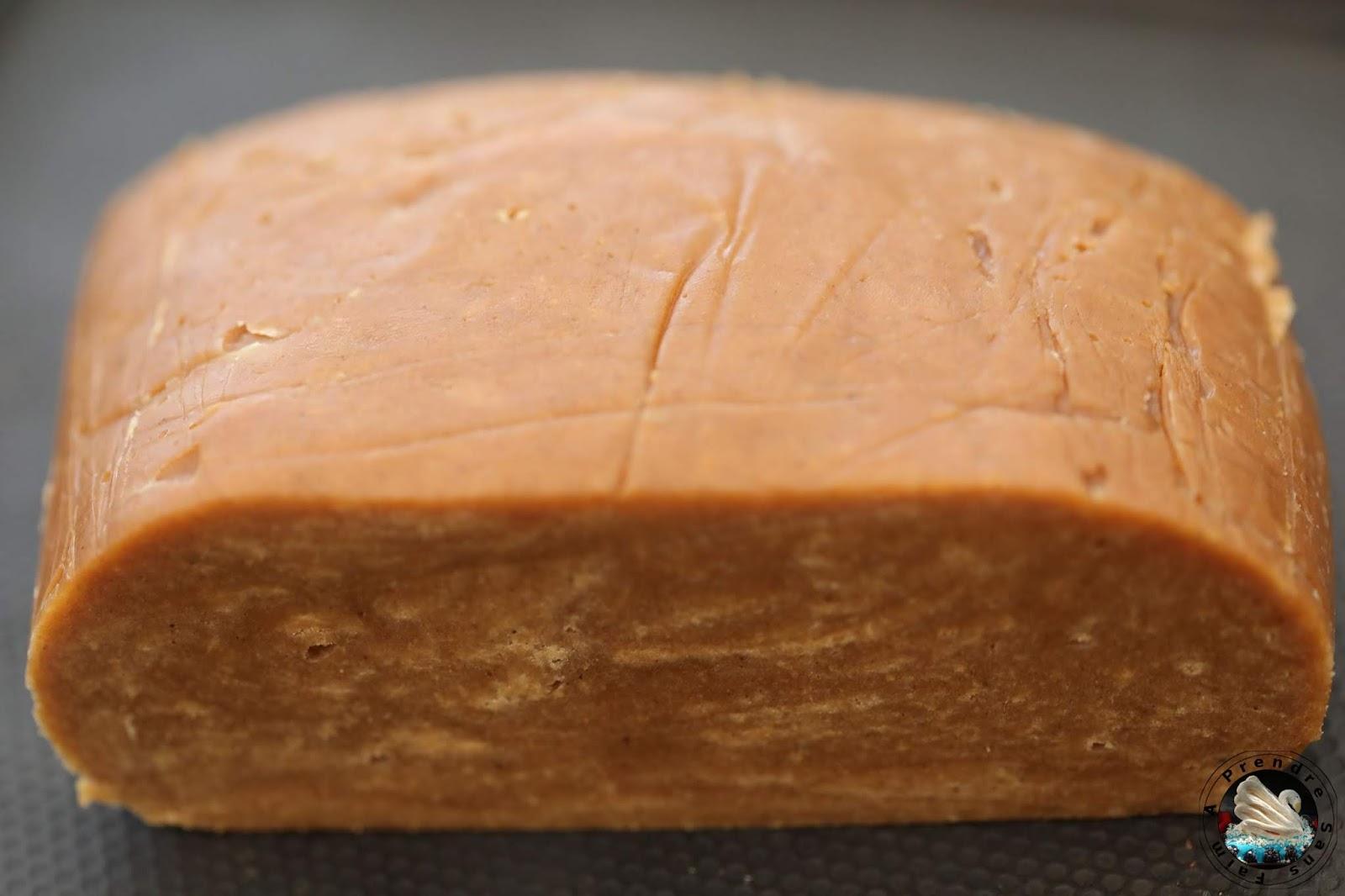 Pâte à pain d'épices brune