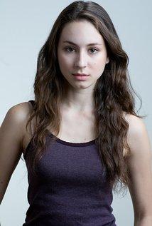 Profil Biodata Troian Avery, Artis Cantik Pemain Film Feed
