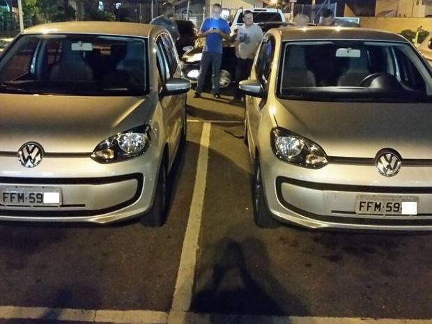 Homem flagra 'dublê' do próprio carro em estacionamento de supermercado