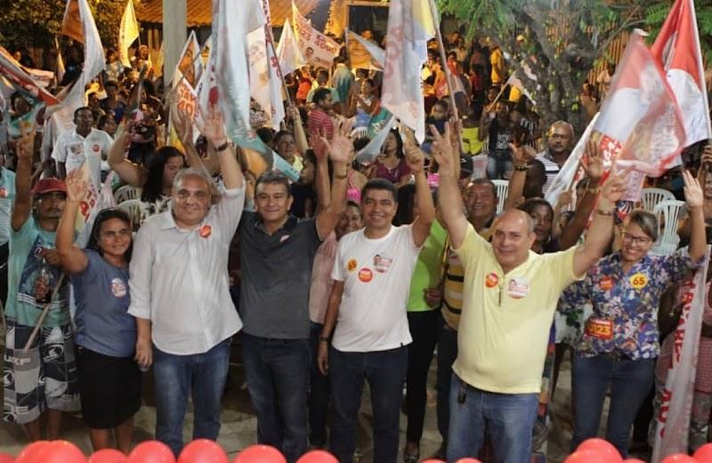 Marcelo Tavares e Bira do Pindaré recebem apoio de Aldo Lopes e arrastam uma multidão em Cururupu.