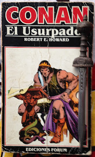 Portada del libro Conan el usurpador, de Robert E. Howard y Sprague de Camp