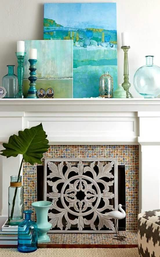 Modern Beach House: 10 (+) Ideas For Decorating Your Fireplace Mantle