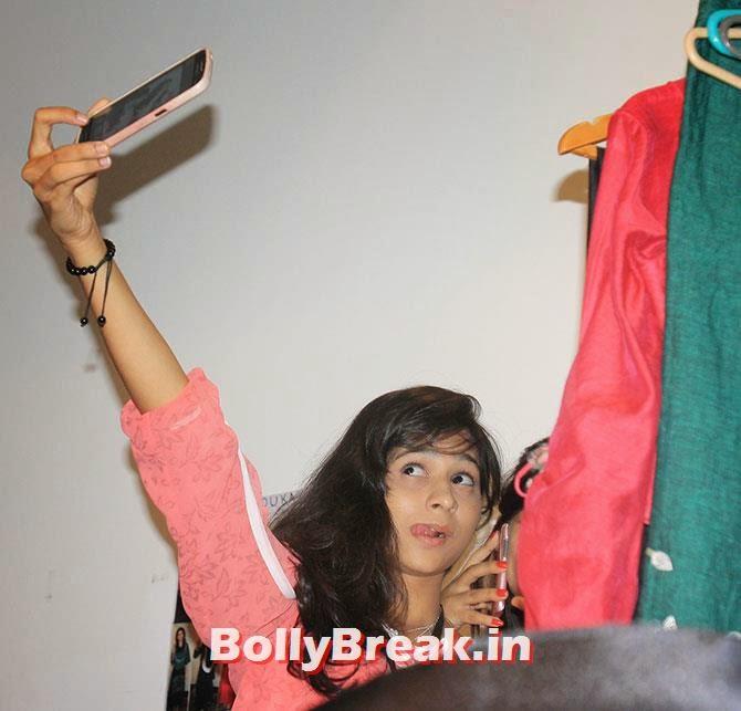 , Hot Models Backstage Pics - Lakme India Fashion Week
