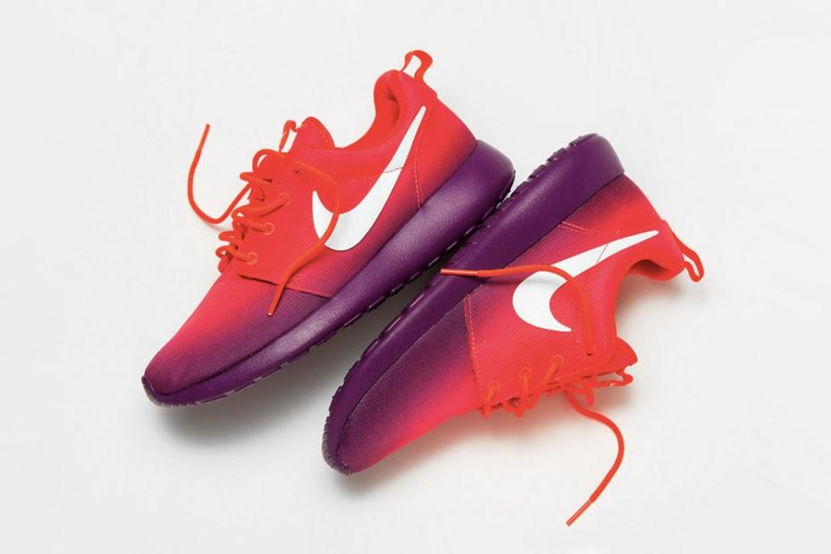 0d35c2a46773 Nike WMNS Roshe Run Print - Laser Crimson Bright Grape