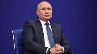 Putin denuncia 'acto hostil' de EEUU publicando Lista del Kremlin