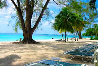 De viajeros por las Islas Cayman 6