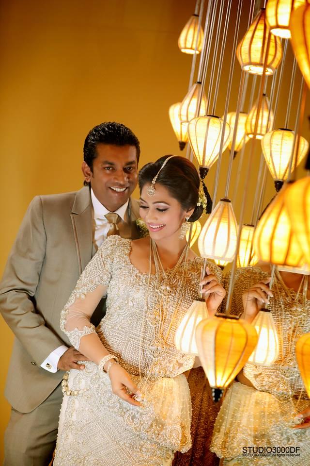 upeksha swarnamali wedding photo