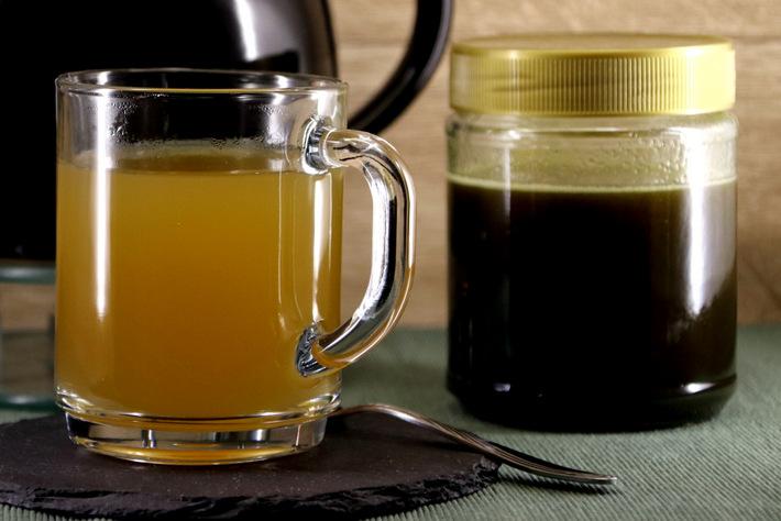 Tee mit Salbeihonig