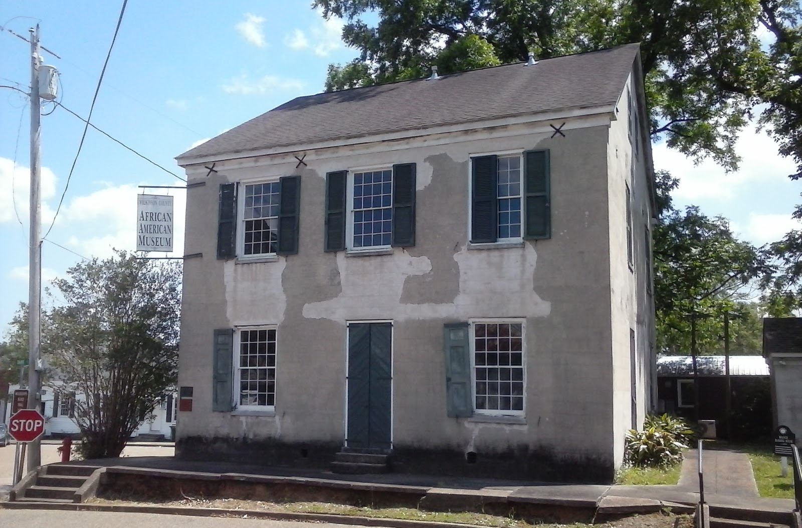 the african american museum it was known as branch banking house and is believed to be the oldest banking building in mississippi