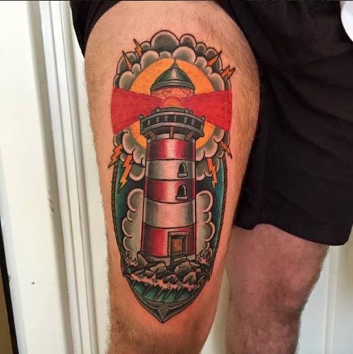 Este neo farol tradicional tatuagem