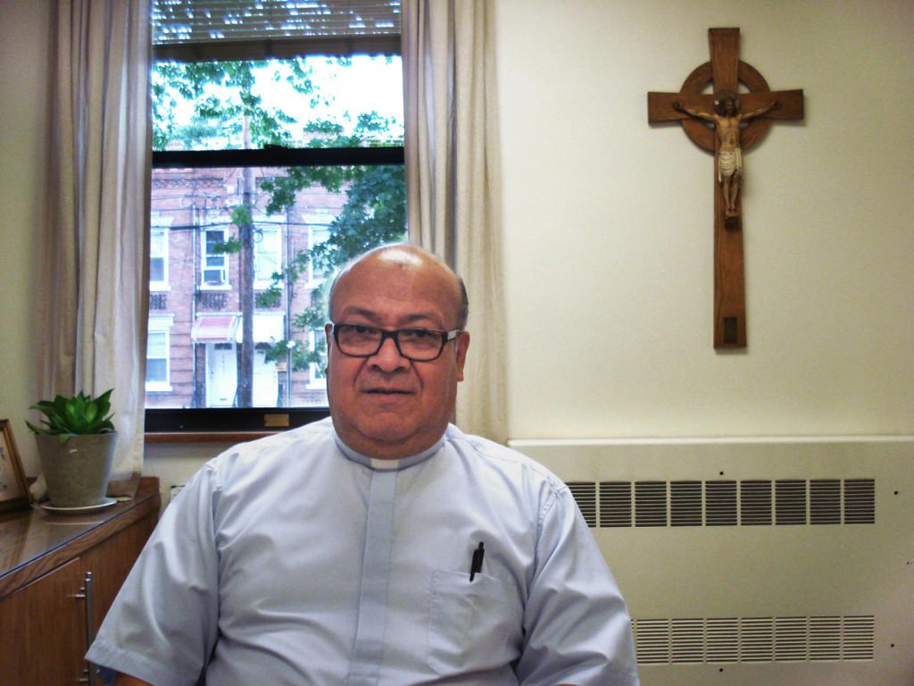 Sacerdote Roberto Cadavid, trasladado a Brooklin tras dos casos de abuso reportados en Medellín