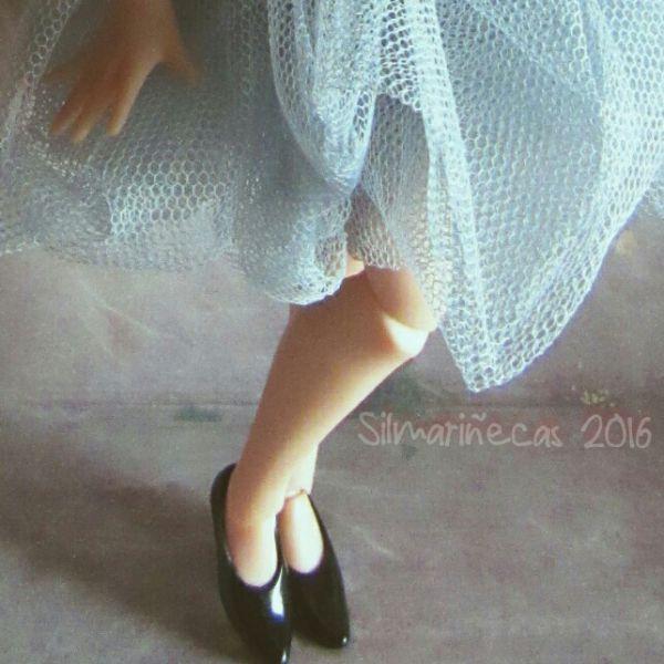 Falda de tul asimetrica para muñeca blythe