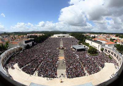 http://lisbonsecrets.com/wp-content/uploads/pt-Santu%C3%A1rio-de-F%C3%A1tima-_en-Fatima-Shrine-_es-Santuario-de-Fatima-_fr-Sanctuaire-de-Fatima.jpg