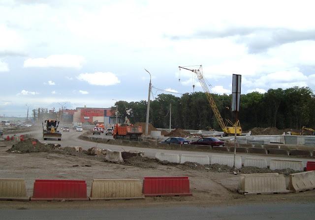 Самара, пересечение Московского и Ракитовского шоссе строительство многоуровневой развязки. лето 2017