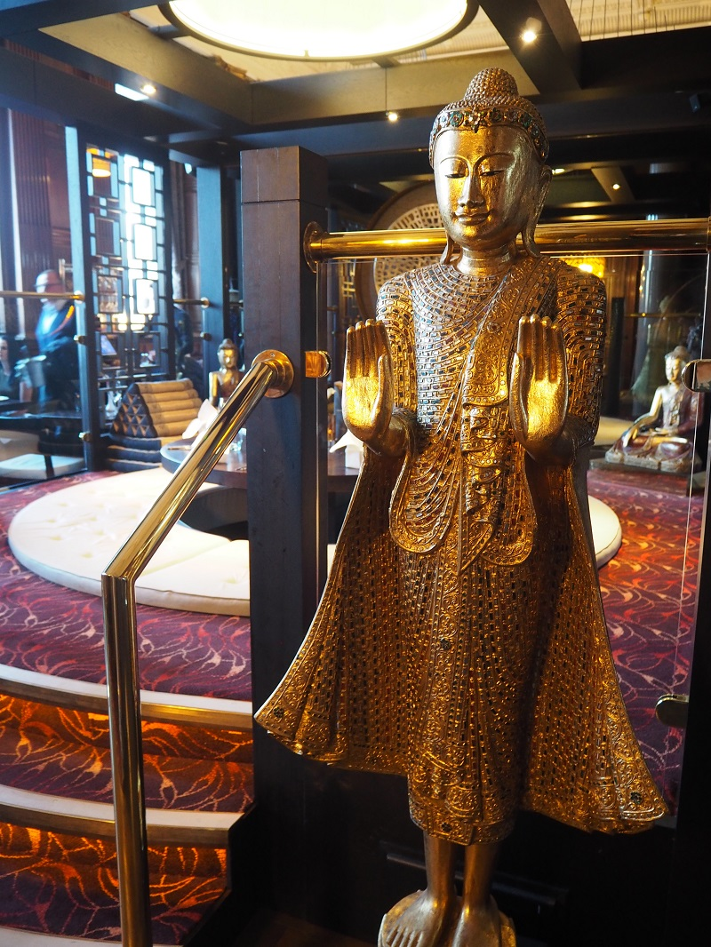 Chaophraya Aberdeen golden buddha