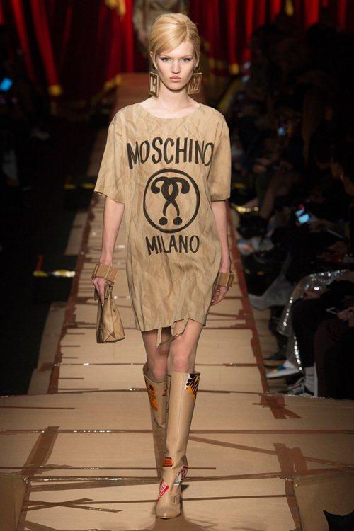 Moschino / Fall 2017