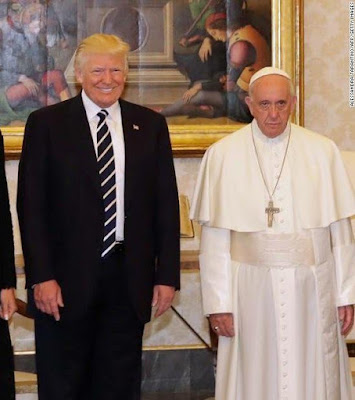 1 - This photo of Pope Francis and Donald Trump's family has got the internet talking