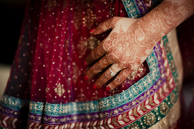american+indian+india+hindu+mixed+ethinic+multi+wedding+religious+christian+sari+bride+groom+orange+red+pink+outdoor+modern+unique+offbeat+green+henna+wedding+darshan+photography+3 - East Meets West