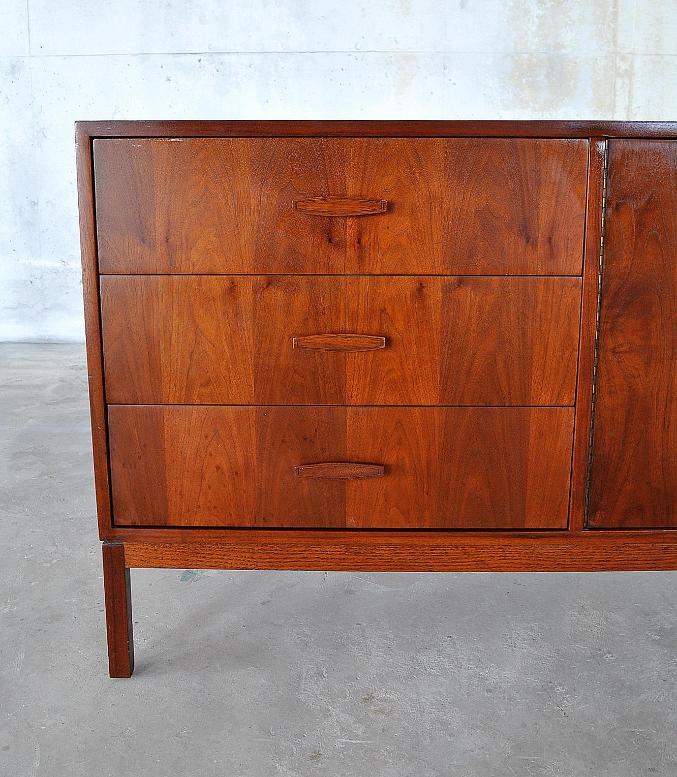 Select Modern Mid Century Modern Credenza Hutch